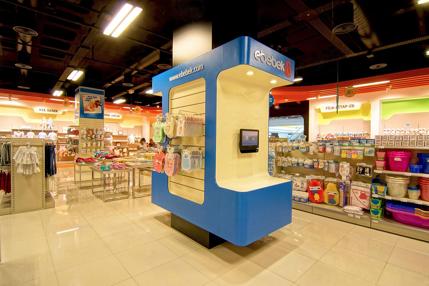 retail-design-Ebebek-06