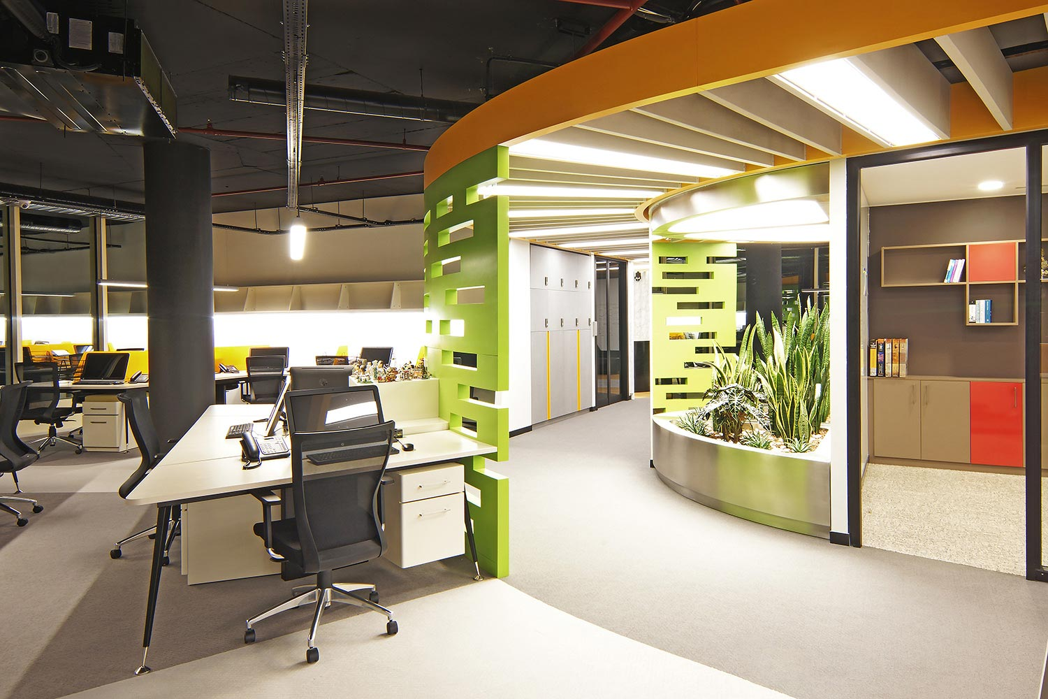 office-interior-design-GarantiBarter-10